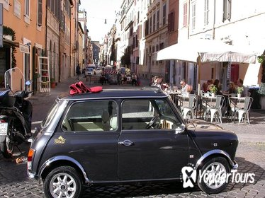 1 hour Little Ancient Tour of Rome by Mini Vintage Cabriolet with Cappuccino