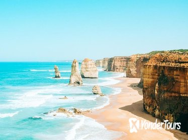 12 Apostles & Great Ocean Road Hiking Day Tour from Melbourne