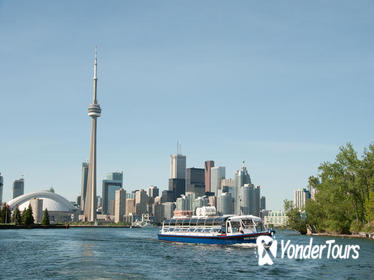 1-Hour Toronto Harbour Tour with Live Narration