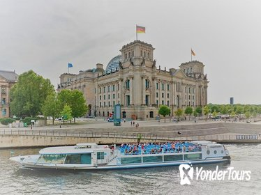 1-Hour Winter City Cruise in Berlin: History and Main Attractions