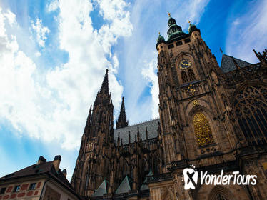2.5-Hour Private Walking Tour: Prague Castle and Local Neighborhoods
