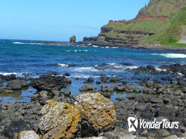 2-Day Northern Ireland Tour from Dublin by Train: Belfast, Antrim Coast Road and Giant's Causeway
