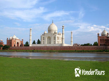 2-Day Private Tour to Taj Mahal Agra from Mumbai