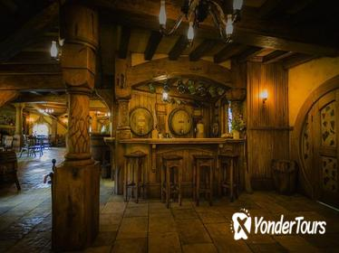 2-Day Waitomo Caves, Hobbiton Movie Set and Rotorua Tour from Auckland