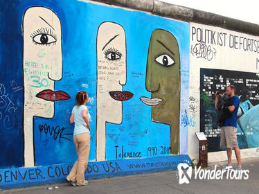 2-Hour Guided Berlin Wall Private Walking Tour