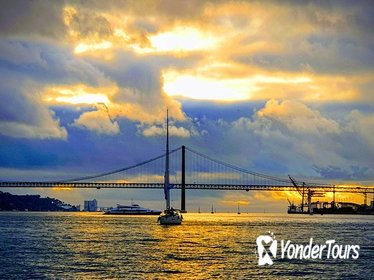2-Hour Private Lisbon Sunset Champagne Cruise