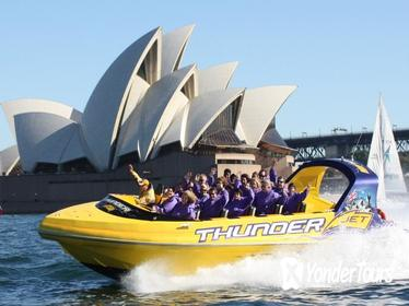 30-Minute Sydney Harbour Jet Boat Ride: Thunder Twist