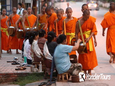 3-Day Discover Luang Prabang City Tour including Airport Transfer