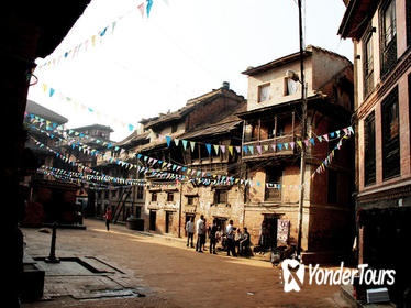 3-Hour Guided Small Group Walking Tour of Bhaktapur at Dawn