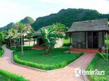 4-Day Viet Hai Village Bungalow Experience from Hanoi Including Overnight Stay on Junk Boat
