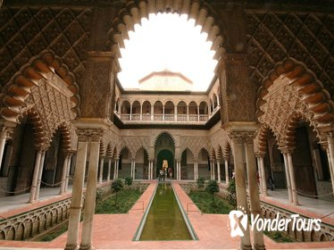 4-Hour Private Guided Walking Tour in Seville