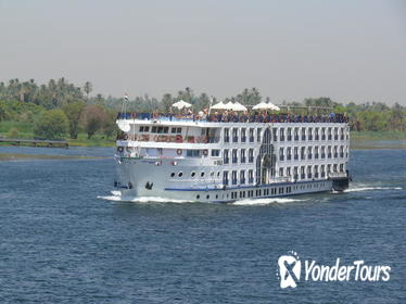 4-Night Nile Cruise from Luxor to Aswan with Private Guide