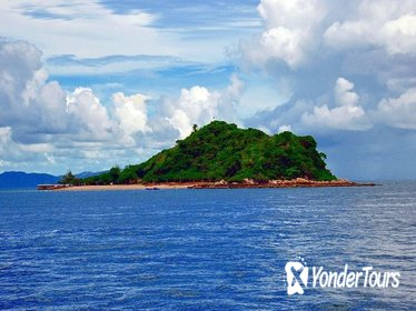 5-Hour Tour to Coral Island by Speedboat from Pattaya
