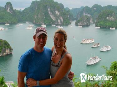 6 Hours Cruising on Halong Bay with Deluxe Cruise