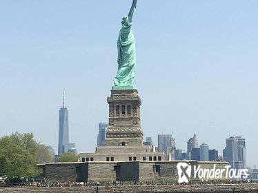 60-Minute Lady Liberty Cruise Near Statue of Liberty Multilingual
