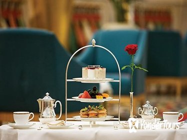 Afternoon Tea at Sahn Eddar Restaurant in Burj al Arab with private Transfers