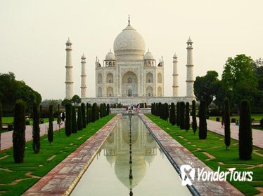 Agra Sightseeing: One day Agra (Taj-Mahal & Agra fort) and Fatehpur Sikri