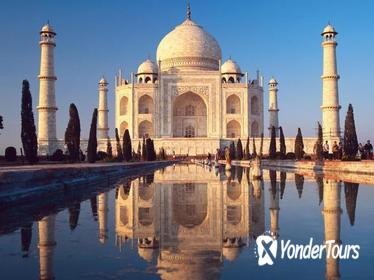 Agra to Delhi by Train with the Taj Mahal, Agra Fort, and Fatehpur Sikri
