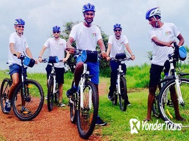 Aguada Hill Cycling Tour from Nerul
