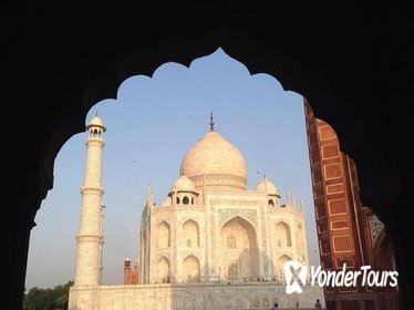 All Inclusive Private Day Tour of Tajmahal and Agra Fort From New Delhi