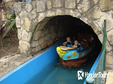 Amusement Parks in Bogotá Private Half-Day Tour: Maloka, Salitre Magico or Mundo Aventura