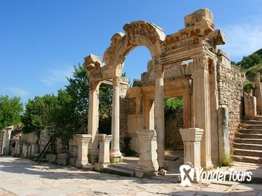 Ancient City of Ephesus From Kusadasi with Private Guide and Van