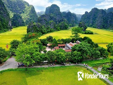 Ancient Ninh Binh Full-Day Discovery with Boat Ride to Tam Coc from Hanoi