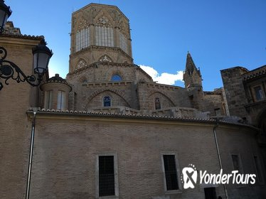 Architecture and History Tour of Valencia