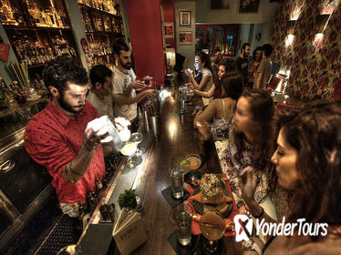 Athens by Night: Small Group Sightseeing with Drinks and Food Tasting