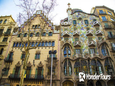 Barcelona Modernist Houses and Gaudi Private Walking Tour