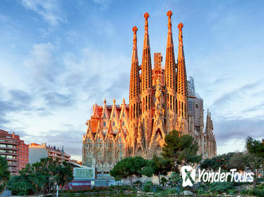 Barcelona's Modernist Houses Private Tour with Sagrada Familia Ticket