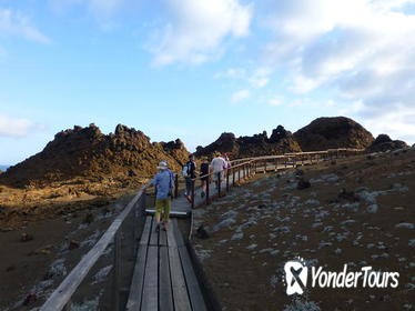 Bartolome Island Full-Day Tour with Hotel Pickup and Lunch
