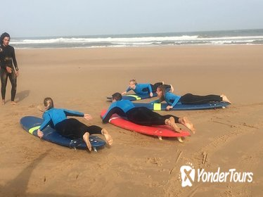 Beginner surf course for up to 4 people