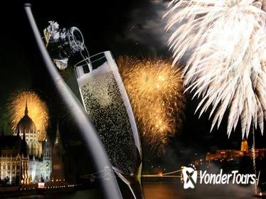 Budapest New Year's Eve Dinner Cruise with Live Piano Show