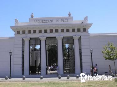 Cemetery of Recoleta Walking Tour