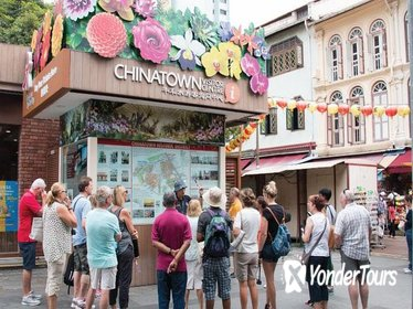 Chinatown Walking Tour - Wet Market - Buddha Tooth Relic Temple - Chinese Biscuit Sampling