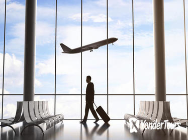 Club Mobay VIP Lounge Access and Round-Trip Shared Airport Transfer