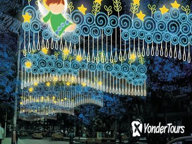 Combo Tour: Metro System, Christmas Lights and Food Tour of Medellín