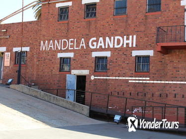 Constitutional Hill,Johannesburg City and Apartheid Museum with Soweto Day Tour
