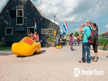 Countrysides, Volendam, Edam and Windmills Tour incl Canal Cruise in Amsterdam