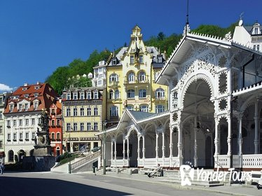 Day-Trip to Karlovy Vary Spa with Walking Tour from Prague
