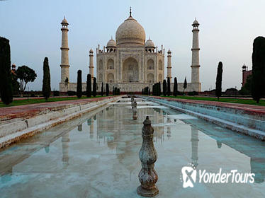 Delhi, Agra and Jaipur 3-Day Golden Triangle Tour from Pune with one-way Flight