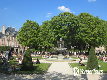 Explore le Marais with your private guide