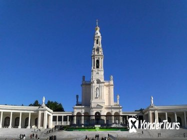 Fatima, Batalha, Nazare and Obidos All Day Private Tour