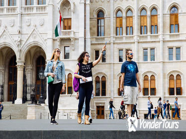 Film Locations Tour in Budapest With a Local