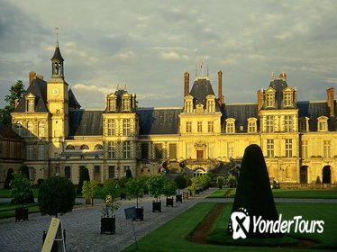 Fontainebleau Vaux le Vicomte Full Day Private Guided Tour from Paris
