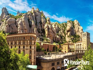 Full Day Guided Tour: Montserrat & Organic Winery Plus Lunch