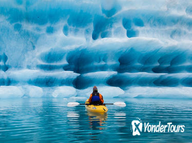 Full-Day Bear Glacier Kayaking Jetboat and Helicopter from Seward