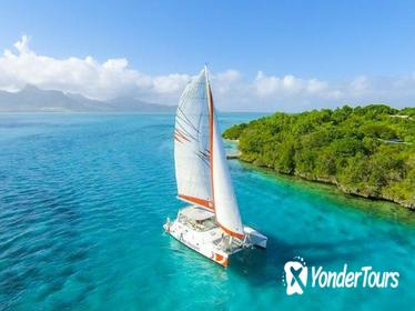 Full-Day Island Hopper Cruise to Isle Aux Cerfs in Mauritius