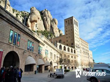 Full-Day Montserrat Monastery and Sacristy Tour from Barcelona with Brunch